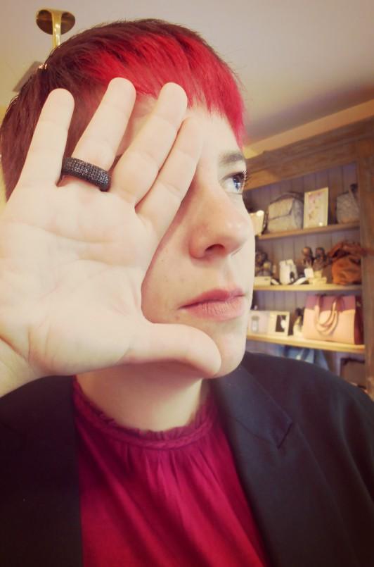 anillo mano